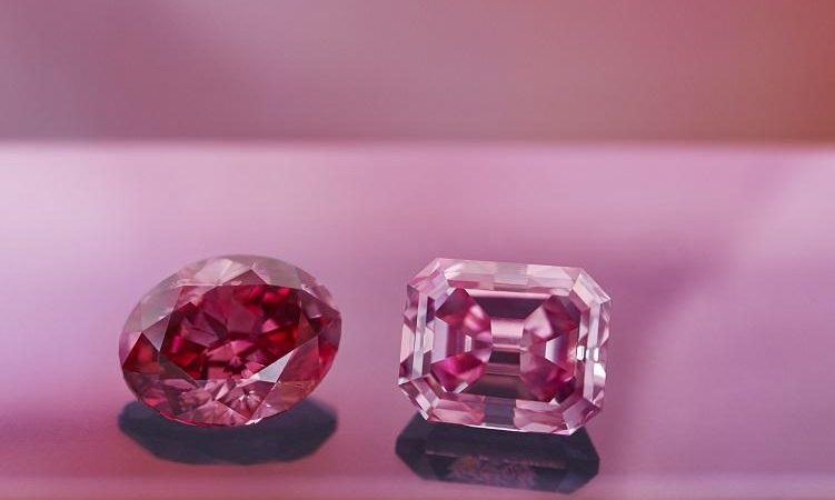 How to choose a powerfull shining pink diamond?